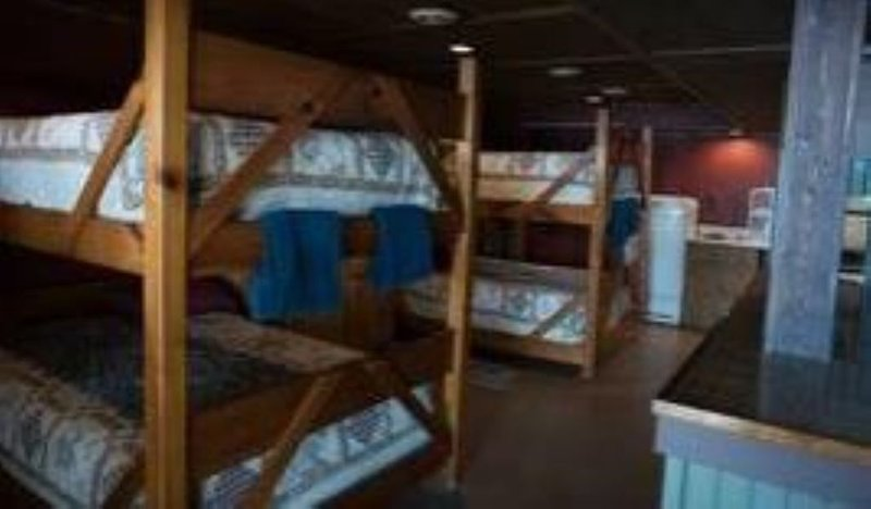 EAGLE'S NEST -BEDROOMS: 2, holiday rental in Hillman