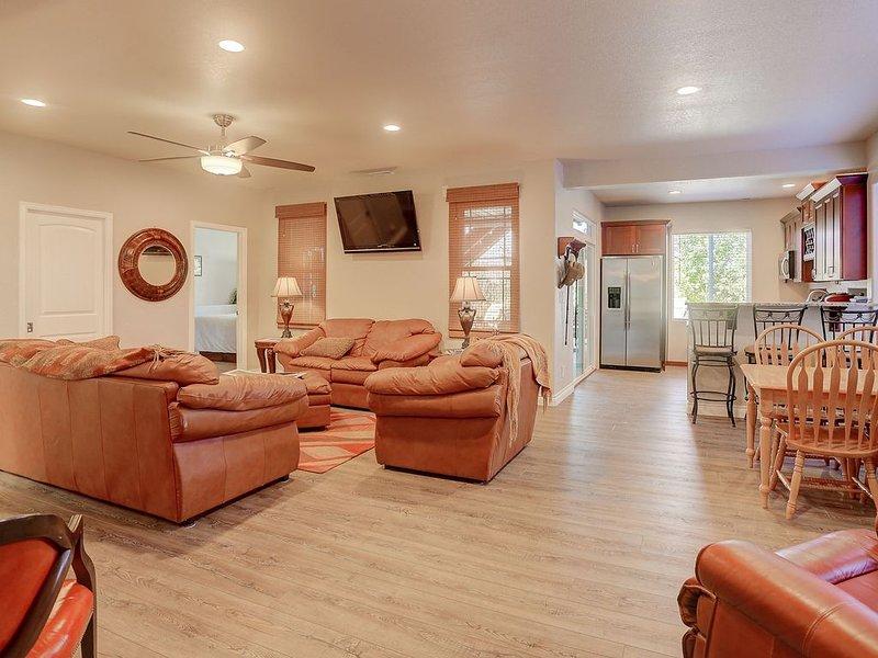 1645', Mountain Views, Hot Tub, Sauna, Workout Rm, AFA, Schriever, Carson, OTC, vacation rental in Colorado Springs