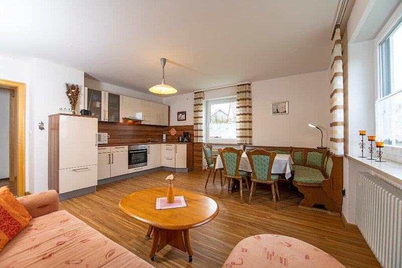 Große gemütliche Ferienwohnungen mit Balkon in ruhiger Lage, location de vacances à Waldthurn