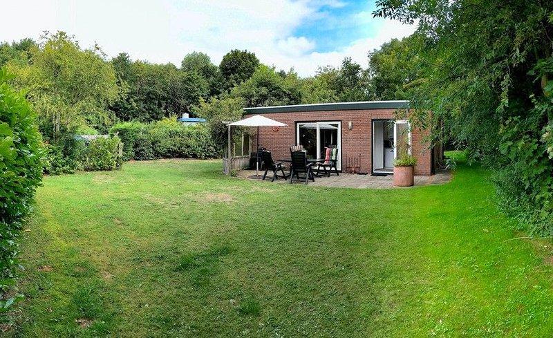 Duinoord 22 Bungalow mit viel persönlicher Freiheit in grüner Ferienlage, casa vacanza a Renesse
