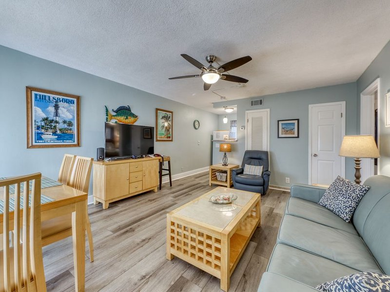 Cozy, Pompano Beach getaway w/ shared pool - walk to the beach!, location de vacances à Lighthouse Point