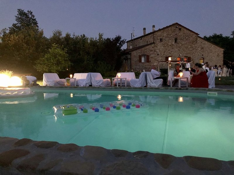 XIII Century Stone House/Villa with Large Pool Near Bologna, Ferienwohnung in Monghidoro