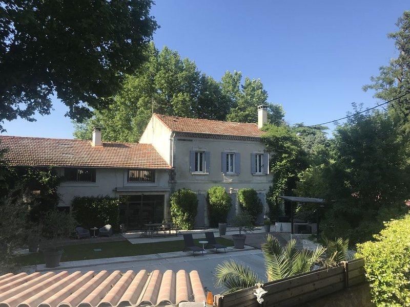 Perfekte Lage im Herzen der Provence mit großem Pool und schönem Garten, location de vacances à Cabannes