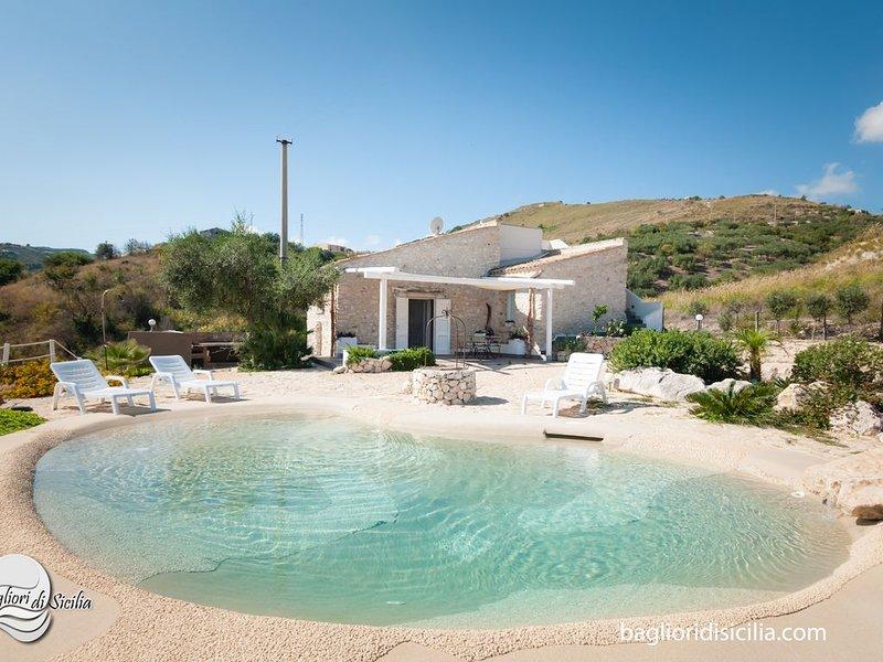 LAST MINUTE OTTOBRE - AGENZIA BAGLIORIDISICILIA, vacation rental in Castellammare del Golfo