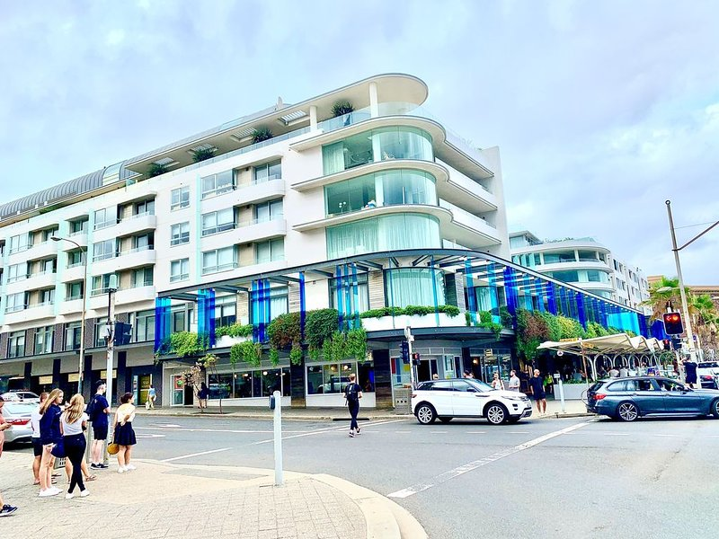 Luxurious Beach Front Apartment in 'The Pacific', casa vacanza a Dover Heights