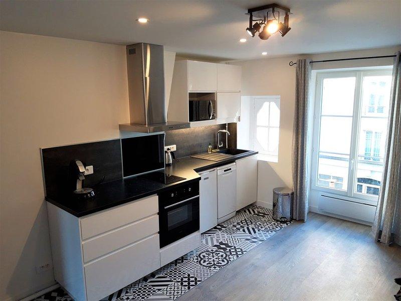 Appartement lumineux proche rue de Lévis, aluguéis de temporada em Levallois-Perret