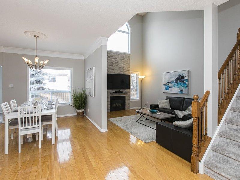 KASHY HOMES-Ravishing 3 story home near dt& Airpot, vacation rental in Cumberland