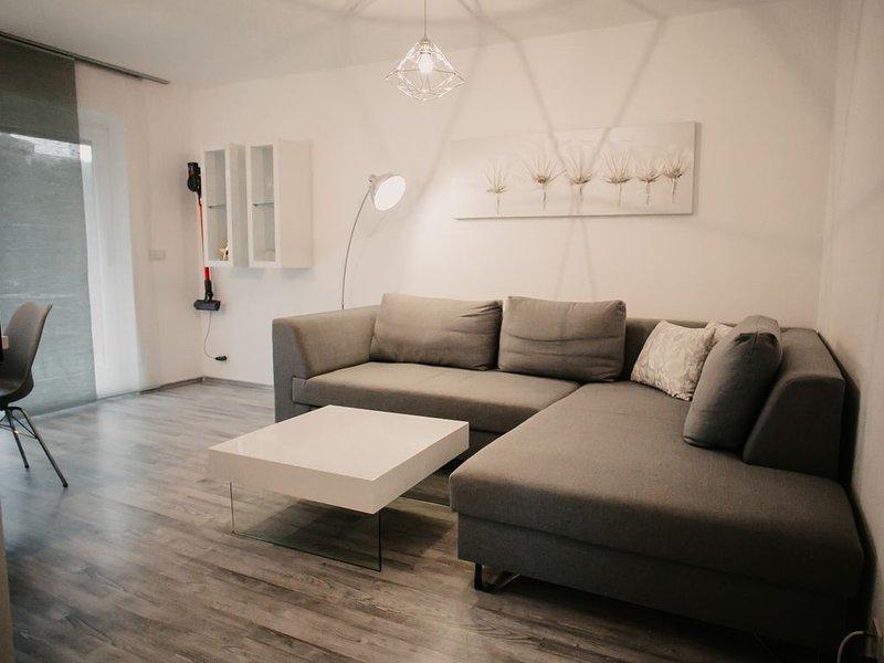 Modern eingerichtete, zentralgelegene Ferienwohnung SOMMER BERGBAHNEN INKL. 2020, holiday rental in Ofterschwang
