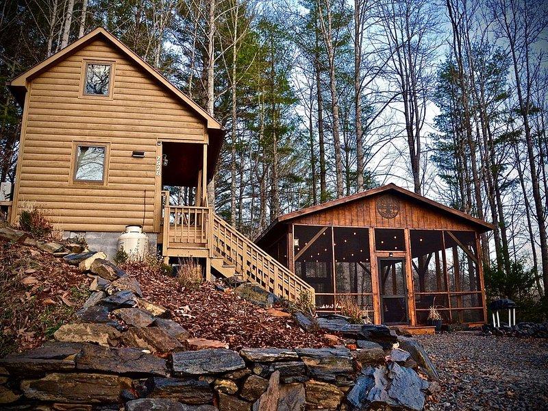 Hot Tub, Views, Romantic Outdoor Lounge Area, alquiler vacacional en Todd