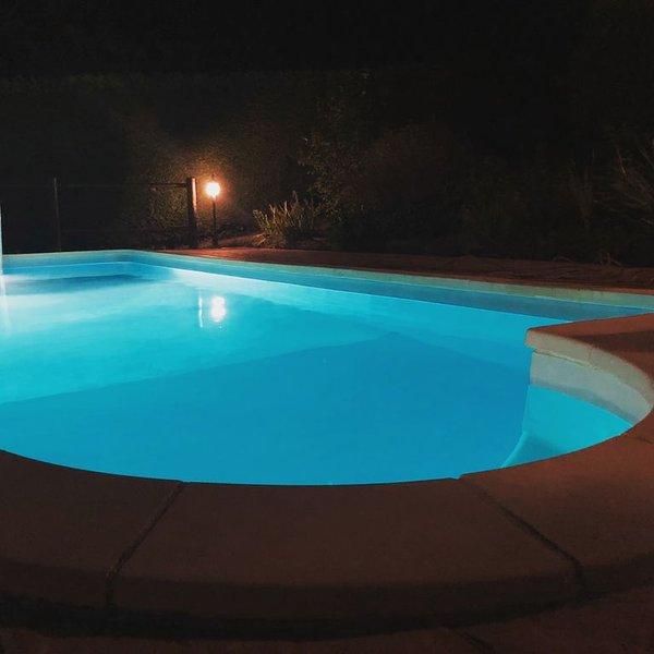 Villa en pierres 8 personnes  - piscine privée - terrasse sud, vacation rental in Juillac