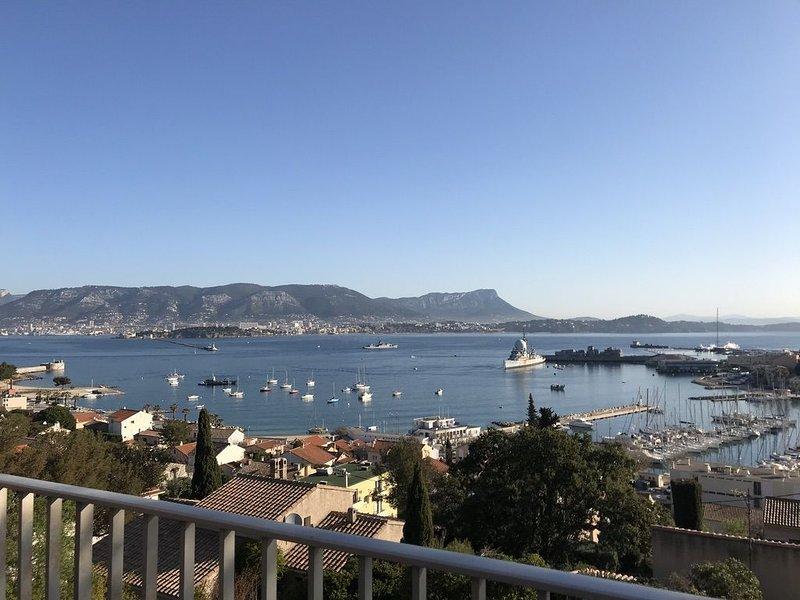 APPARTEMENT DE CHARME ET VUE EXCEPTIONNELLE, vacation rental in Saint-Mandrier-sur-Mer