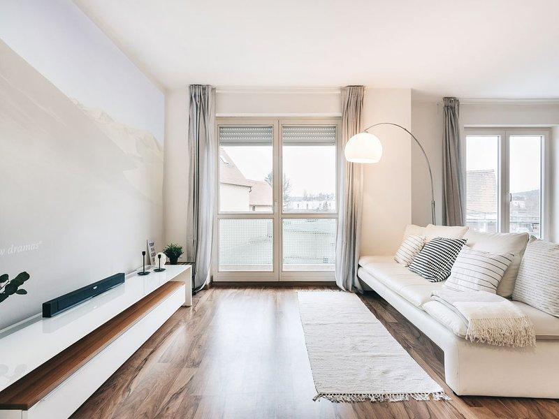Moderndes Apartment mit Heimkino + Netflix in Dresden für bis zu 4 Personen, location de vacances à Coswig