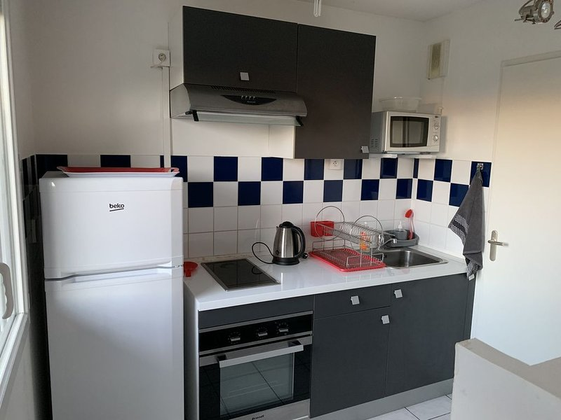 Agréable appartement avec jardin, vacation rental in Chateauroux
