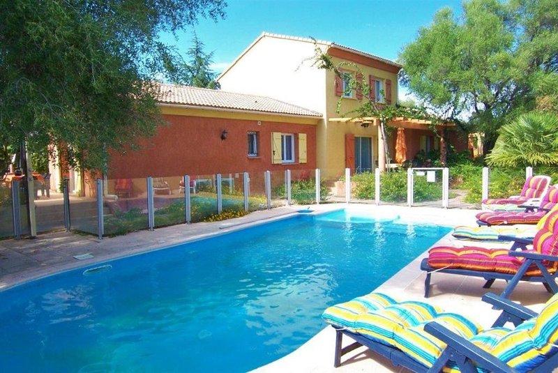 MINI VILLA 60m² avec piscine - 2 chambres - climatisé - terrasse - plage à 5 mn, location de vacances à Ventiseri