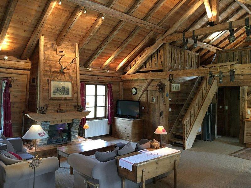 Chalet de charme en vieux bois de 110m², 8 / 10 personnes, holiday rental in Saint-Martin-sur-la-Chambre