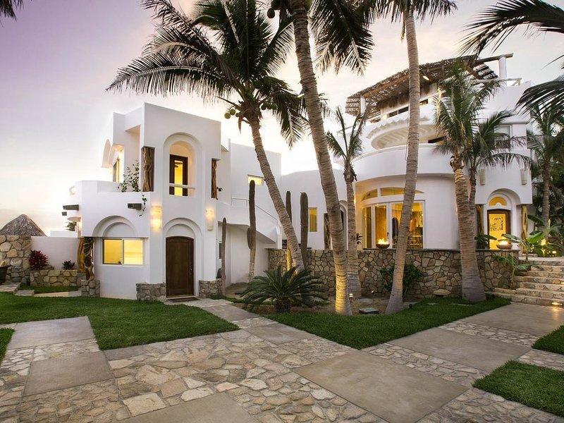 Beachfront Private Villas- Pool overlooking the Sea of Cortez with Amazing Views, location de vacances à San Jose Del Cabo