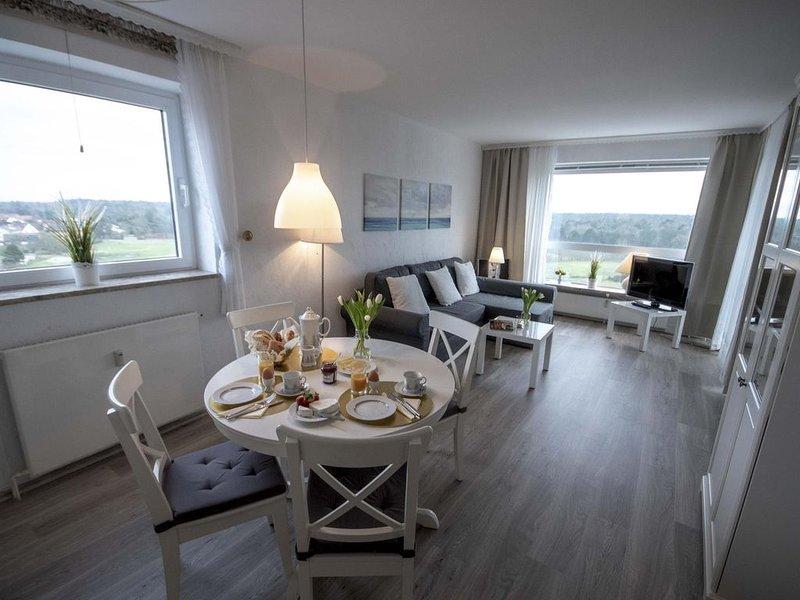 FB 10.01 - Gemütliche Ferienwohnung mit Seesicht und Schwimmbad im Haus für 4 Pe, holiday rental in Nordholz