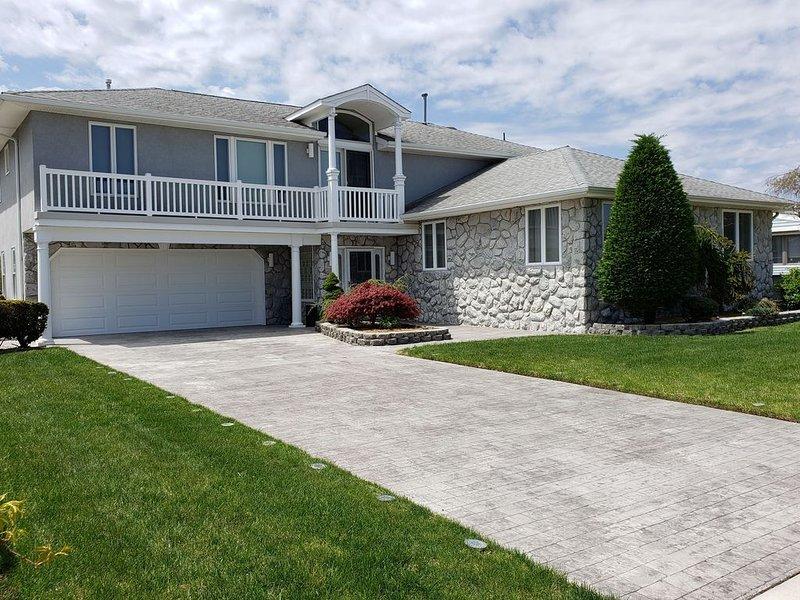 Must See Upscale Beach Home in Brigantine-Near Atlantic City, alquiler vacacional en Galloway
