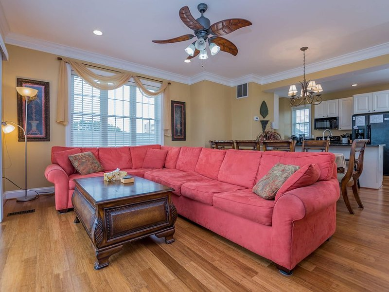 Ocean Blk, Beautiful 3 Story Townhouse - 78th Street - Great Ocean and Bay Views, alquiler de vacaciones en Ocean City