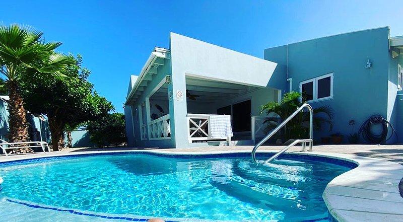 Beach Villa, private pool, close to beaches, Aruba's best neighborhood., holiday rental in Noord