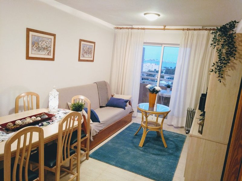 Apartamento cálido y acogedor con bonitas vistas al Mar Menor, vacation rental in Playa Honda