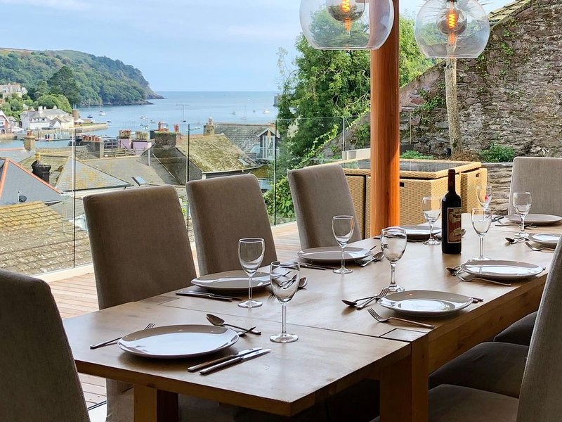 School Steps - Modern Costal Cottage, holiday rental in Dartmouth