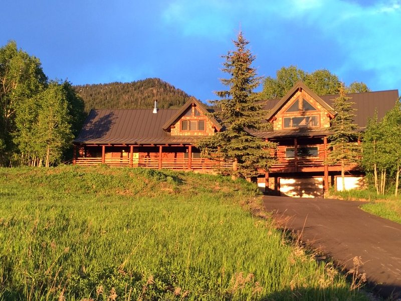 Spacious Mountain retreat with scenic valley views!, casa vacanza a Afton