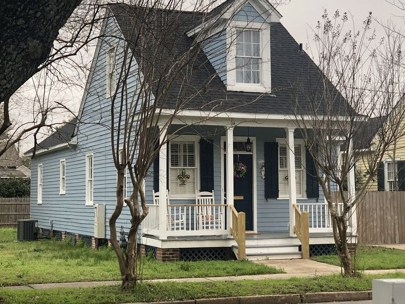 Historic home in Downtown Mobile next to Civic Center and Mardi Gras parades, vacation rental in Mobile