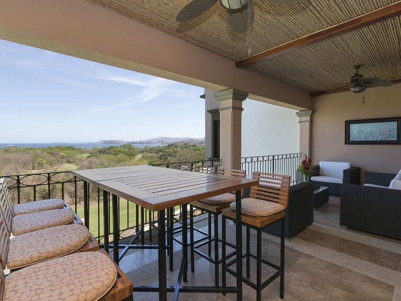 Luxury Penthouse Ocean View at Reserva Conchal, great for families, casa vacanza a Huacas