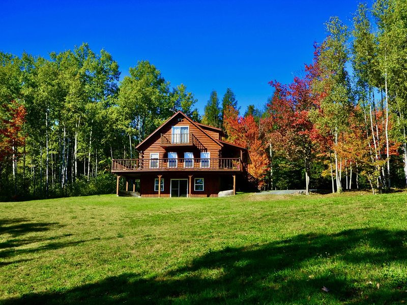 Cast Away Lodge...cast your worries away, holiday rental in New Brunswick