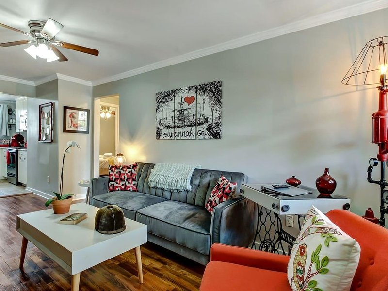 Fully Sanitzed - Instaworthy Design - Backyard Fun, vacation rental in Thunderbolt