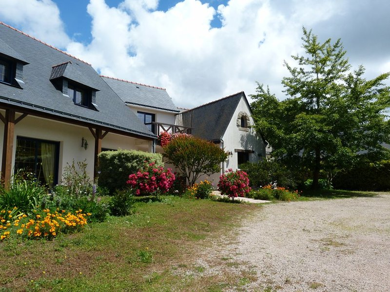 Propriété spacieuse et calme au bord du golfe du Morbihan, casa vacanza a Sarzeau