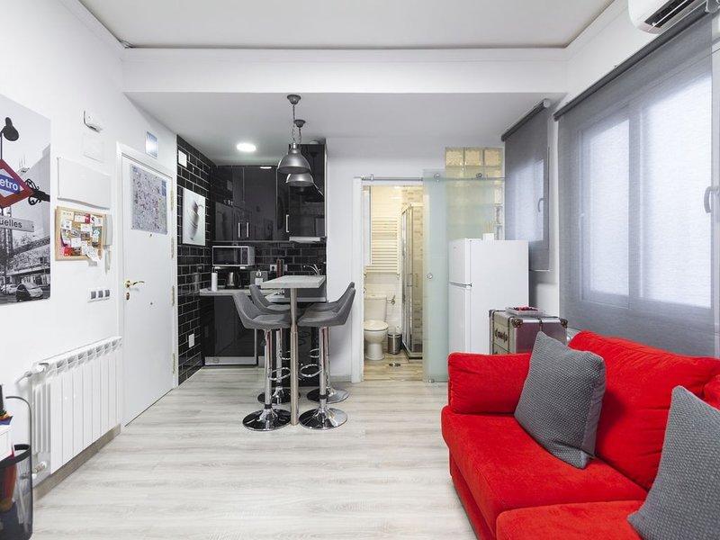 Acogedor y moderno apartamento en el centro, holiday rental in Pozuelo de Alarcon