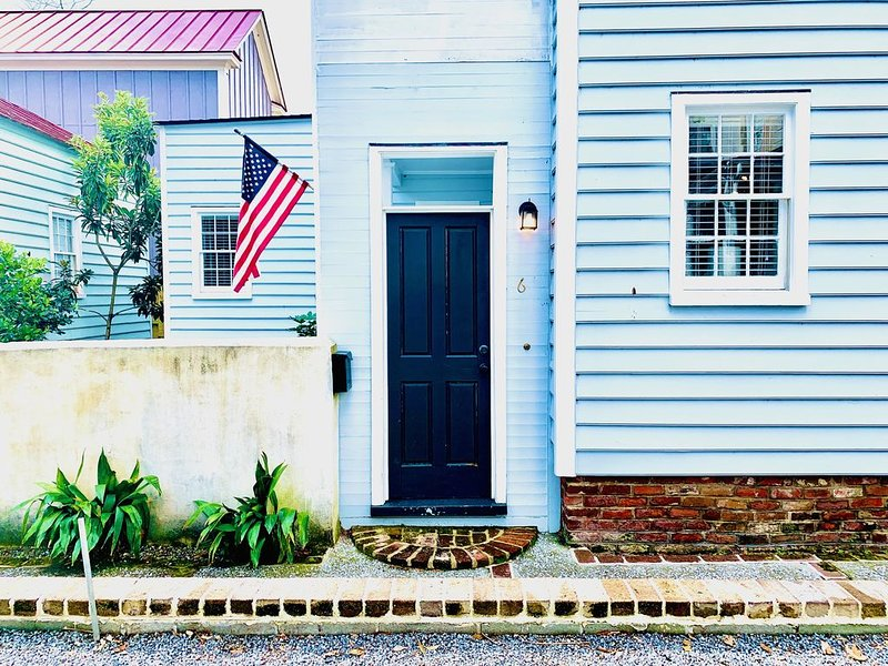 Walk, Shop, and Dine as a Local, vacation rental in Charleston