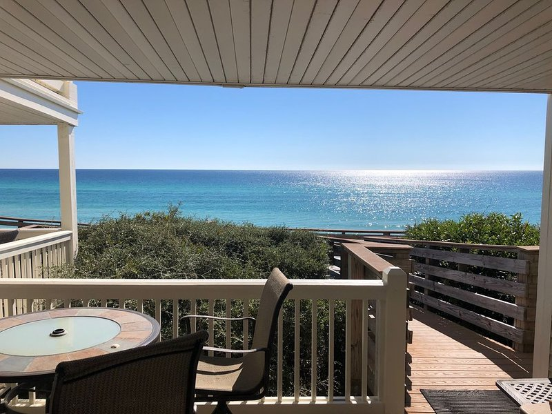 GULF FRONT - GREAT VIEWS - Direct Walk Out - Only Steps to Beach - WiFi, vacation rental in Inlet Beach