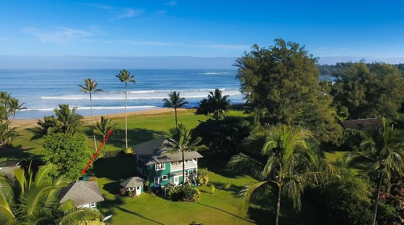 Guest house on beachfront property Non-Commissionable, holiday rental in Hanalei