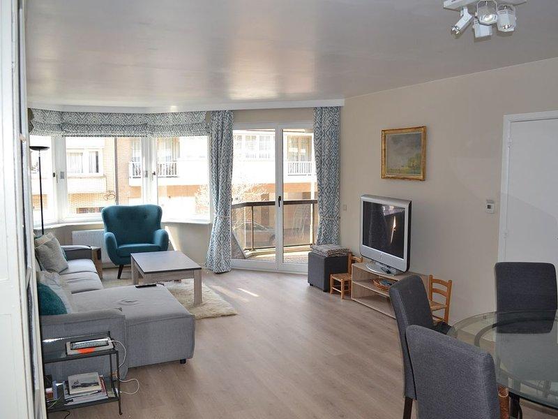 Grand et lumineux appartement 3 chambres - 500 m de la plage, location de vacances à Zeebrugge