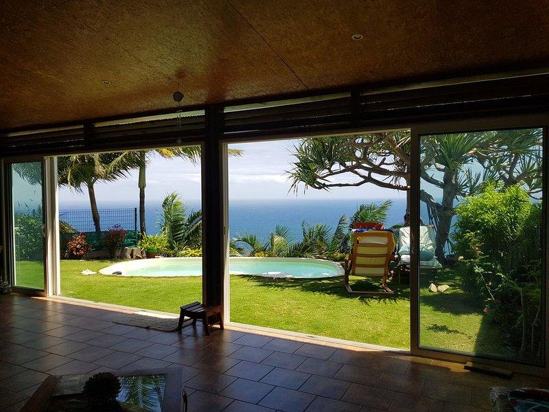 VILLA  AVEC  PISCINE, vacation rental in Petite-Ile
