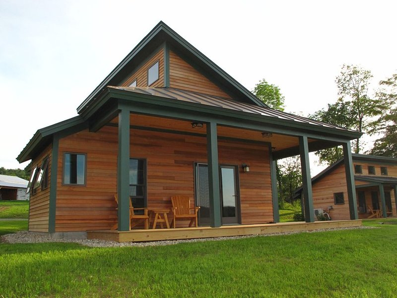 Beautiful Modern Cabin on a Vermont Farm - Stunning Panoramic Views!, aluguéis de temporada em Quechee