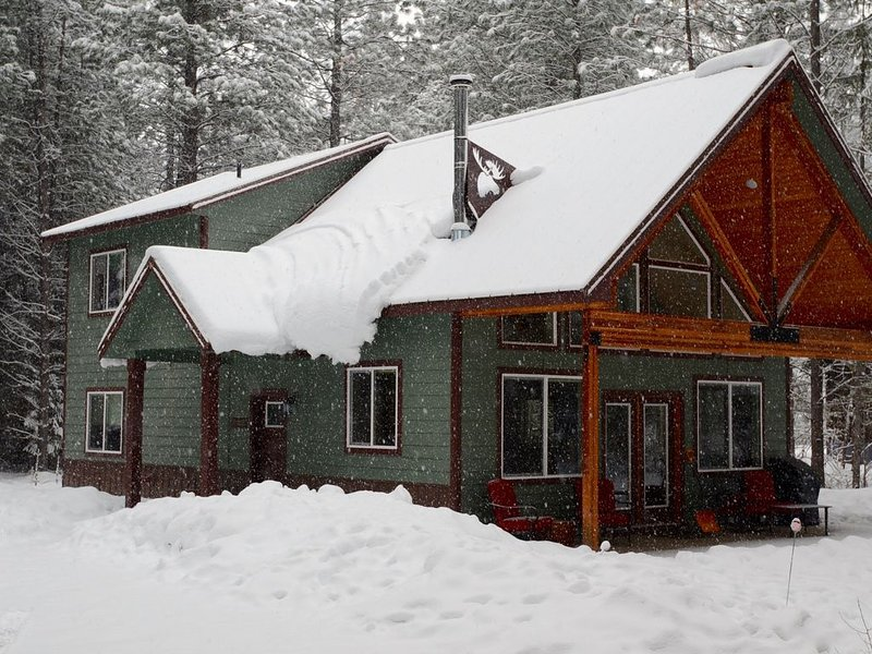 Skiers, Cyclists, Runners! Newly-Built 3 Bedroom House on the MVSTA Trail!, holiday rental in Mazama