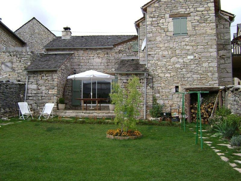 -- Le Four d'Odilon --, holiday rental in Veyreau