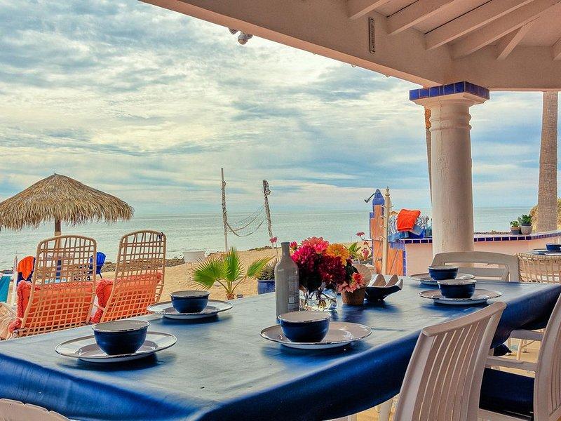 Casa Theresa - Amazing Las Conchas Beach Front Home!  In a class of its own., location de vacances à Puerto Penasco