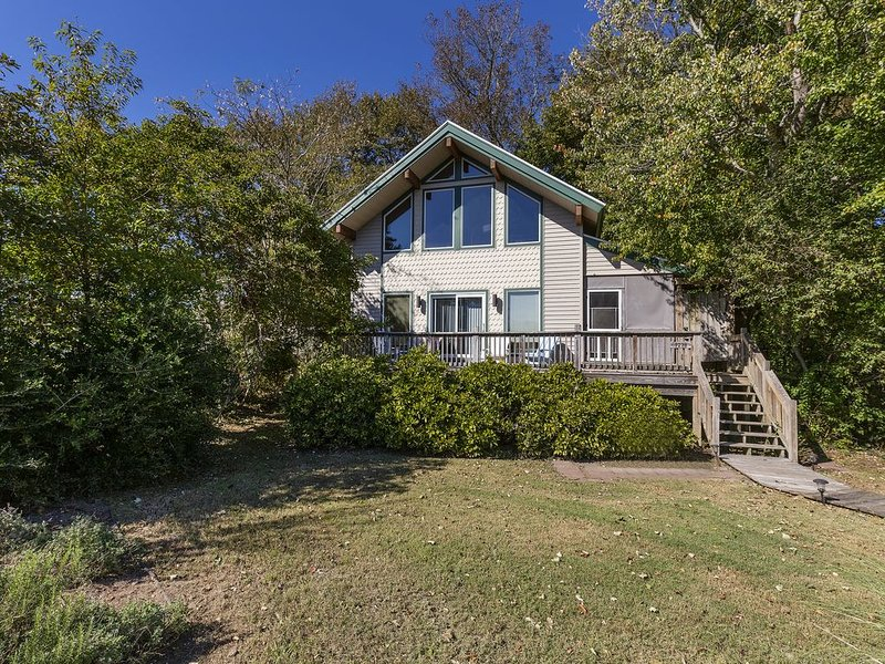 Rhythm and Blues, a beautiful 3 Bedroom/2 Bath home located in the heart of our, alquiler de vacaciones en Chincoteague