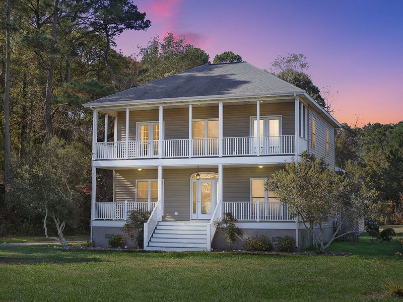 Blue Heron - A Breathtaking Eastern Shore Vacation Experience!, holiday rental in Marion Station