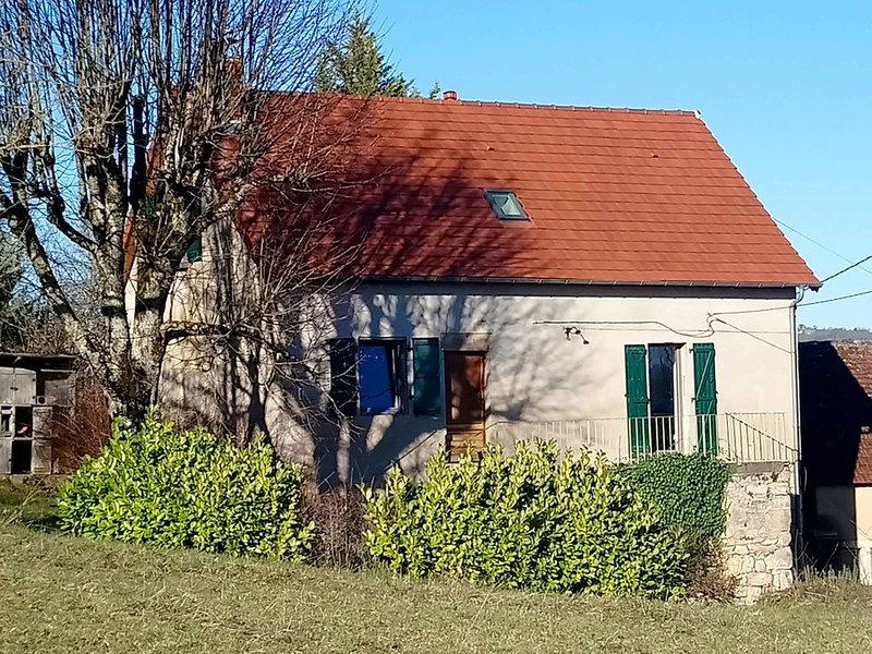 Gîte Le Salon - Maison avec vue panoramique, terrasse et jardin, holiday rental in Le Pescher