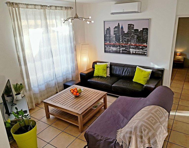 Moderne T2 à 5mins à pied du centre ville, location de vacances à Port-de-Bouc
