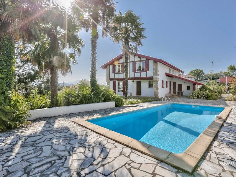 Modern home - expansive views, walk to town, pool, vacation rental in Espelette