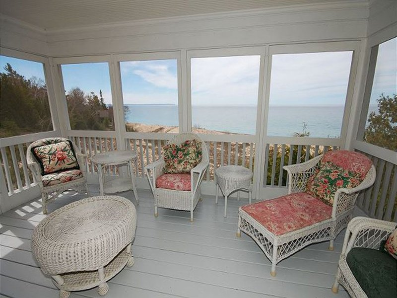 New Listing!  Views Beautiful Cathead Point ! Amazing  Sunrises& Sunsets!, holiday rental in Northport