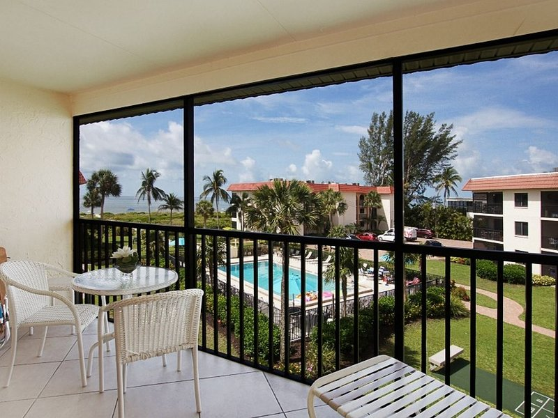 Sandalfoot Condo 4B3, holiday rental in Sanibel