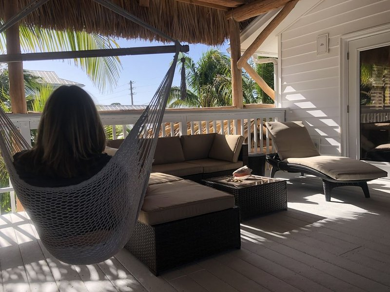 BG-Gateway to Palm Island & Boca Grande. Caribbean Tiki Hut Residence w/m rates, alquiler vacacional en Plácida